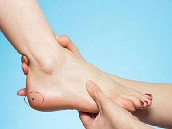 Nốt ruồi ở chân có ý nghĩa gì - Mang nốt ruồi ở chân có vận mệnh gì