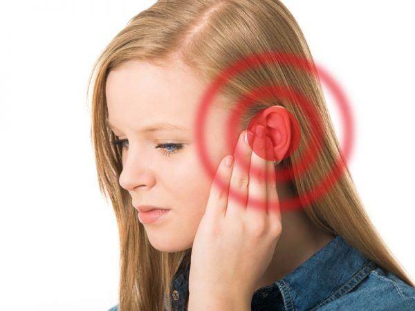 Nóng tai trái là hiện tượng gì - Điềm báo nóng tai trái