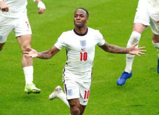 Tin bóng đá tối 1/7: HLV Southgate hy vọng Sterling tiếp tục bị chỉ trích