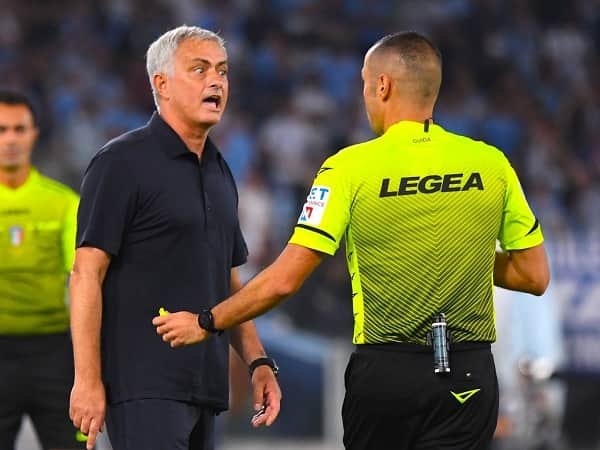 Thua Lazio, Mourinho đổ lỗi cho trọng tài