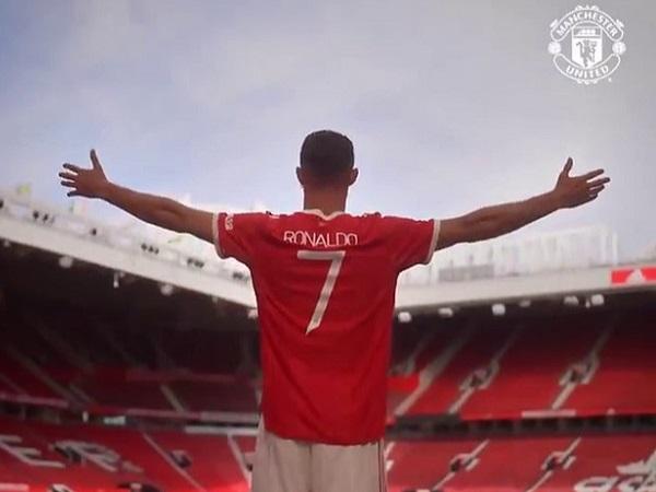 Tin bóng đá sáng 11/9: Man United mua được Ronaldo nhờ chơi đẹp hơn Man City